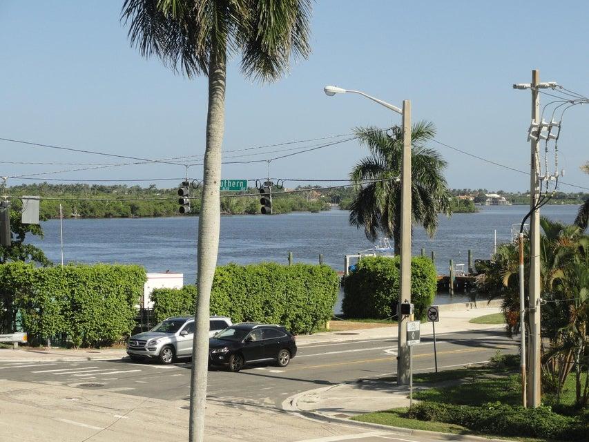 Cooperativa / condomínio para Locação às 3915 S Flagler Drive 3915 S Flagler Drive West Palm Beach, Florida 33405 Estados Unidos