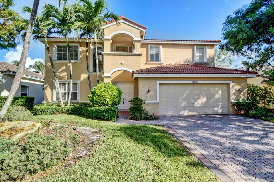 5950 Bay Hill Circle  Lake Worth, FL 33463