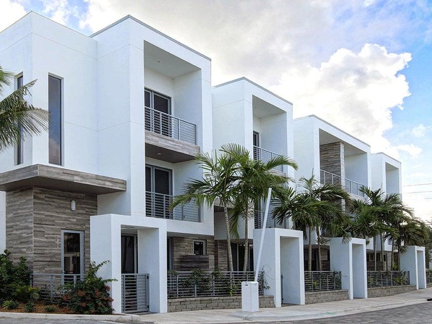 1711 NW 42nd Drive  Boca Raton FL 33431