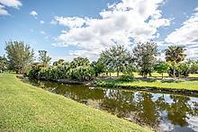 Villa für Verkauf beim 194 Par Drive 194 Par Drive Royal Palm Beach, Florida 33411 Vereinigte Staaten