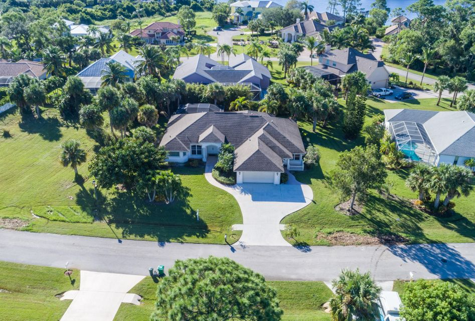 Single Family Home for Sale at 1103 SE Westchester Drive 1103 SE Westchester Drive Port St. Lucie, Florida 34952 United States