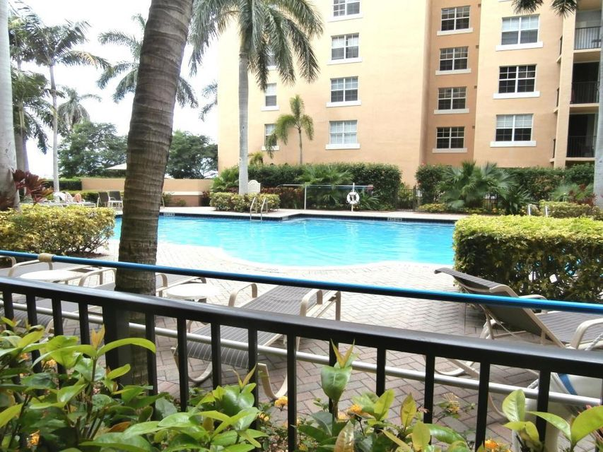 Condominium for Sale at 1801 N Flagler Drive # 135 1801 N Flagler Drive # 135 West Palm Beach, Florida 33407 United States