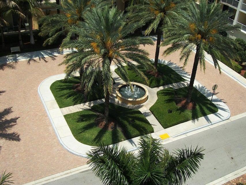 Coopérative / Condo pour l Vente à 804 E Windward Way 804 E Windward Way Lantana, Florida 33462 États-Unis