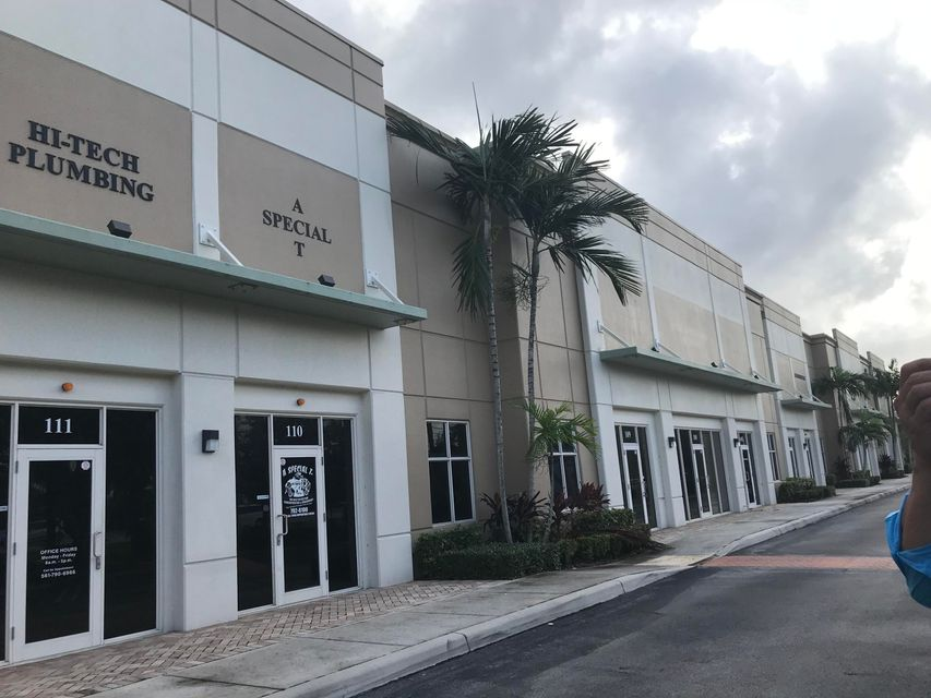 Offices للـ Sale في 1000 Stinson Way 1000 Stinson Way West Palm Beach, Florida 33411 United States