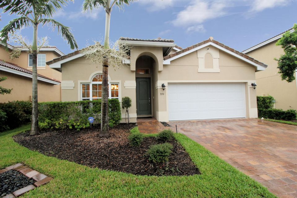 Additional photo for property listing at 970 Siesta Drive 970 Siesta Drive West Palm Beach, Florida 33415 United States