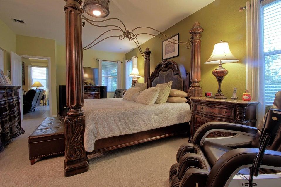 Additional photo for property listing at 970 Siesta Drive 970 Siesta Drive West Palm Beach, Florida 33415 Estados Unidos