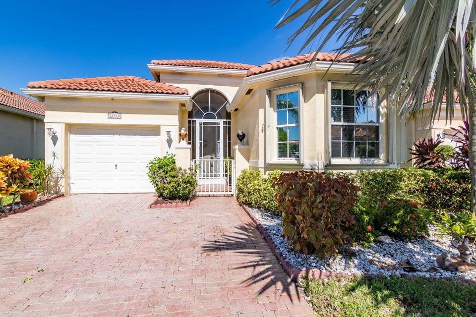 独户住宅 为 销售 在 15518 Fiorenza Circle 15518 Fiorenza Circle 德尔雷比奇海滩, 佛罗里达州 33446 美国