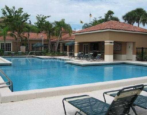 Additional photo for property listing at 1080 N Benoist Farms Road 1080 N Benoist Farms Road West Palm Beach, Florida 33411 Estados Unidos