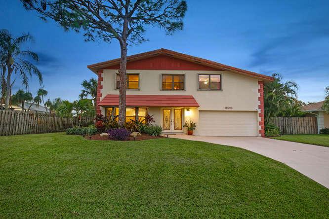 11589 Fir Street , Palm Beach Gardens FL 33410 is listed for sale as MLS Listing RX-10377793 26 photos