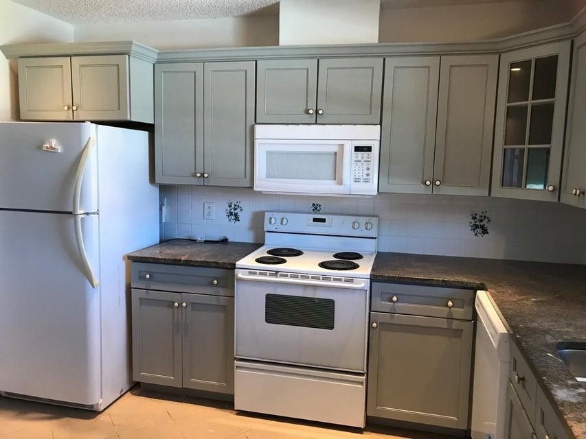 Additional photo for property listing at 845 Salem Lane 845 Salem Lane Lake Worth, Florida 33467 Vereinigte Staaten