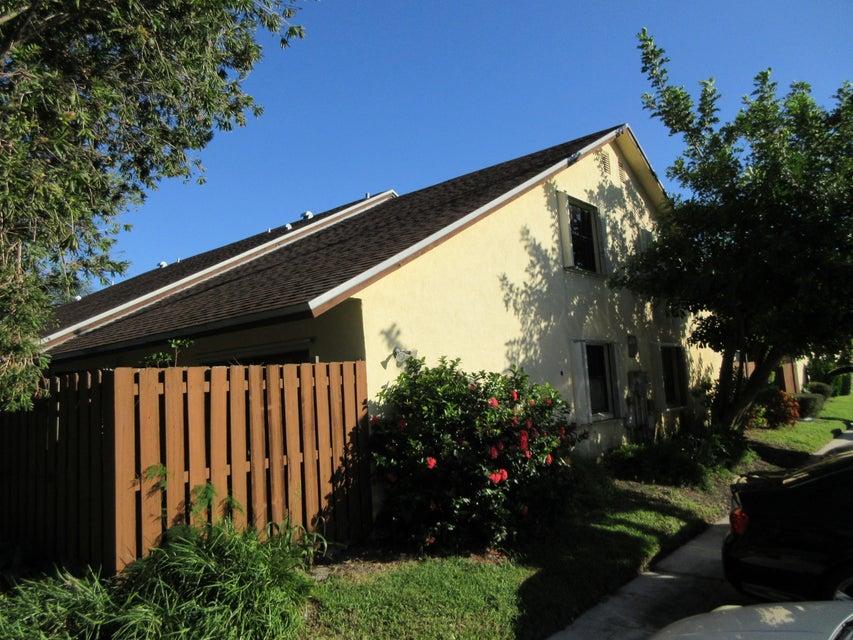 132 Springdale Circle Lake Worth, FL 33461 photo 1