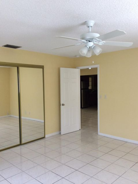 Additional photo for property listing at 1851 NW 47 Avenue 1851 NW 47 Avenue Lauderhill, Florida 33313 Estados Unidos