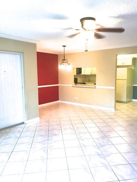 Co-op / Condominio por un Venta en 1995 SW Silver Pine Way 1995 SW Silver Pine Way Palm City, Florida 34990 Estados Unidos