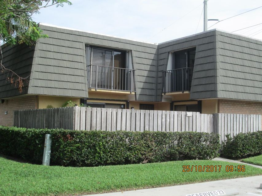 Townhouse for Sale at 4113 41st Way 4113 41st Way West Palm Beach, Florida 33407 United States