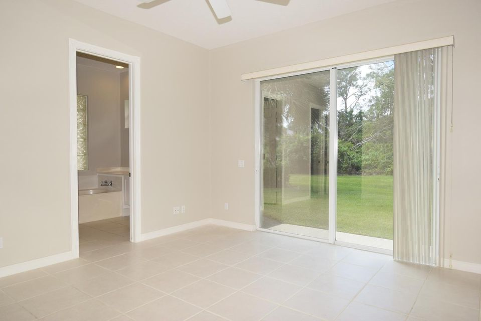 Additional photo for property listing at 8676 SW Cruden Bay Court 8676 SW Cruden Bay Court Stuart, Florida 34997 États-Unis