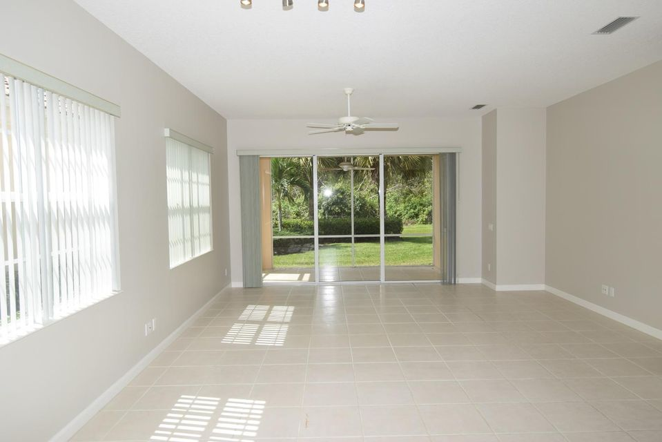 Additional photo for property listing at 8676 SW Cruden Bay Court 8676 SW Cruden Bay Court Stuart, Florida 34997 Estados Unidos