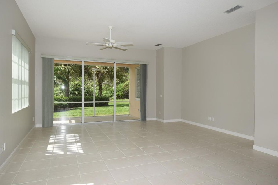 Additional photo for property listing at 8676 SW Cruden Bay Court 8676 SW Cruden Bay Court Stuart, Florida 34997 United States