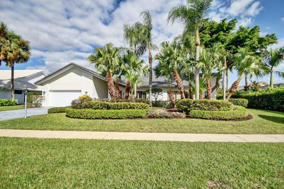 3705 Red Maple Circle