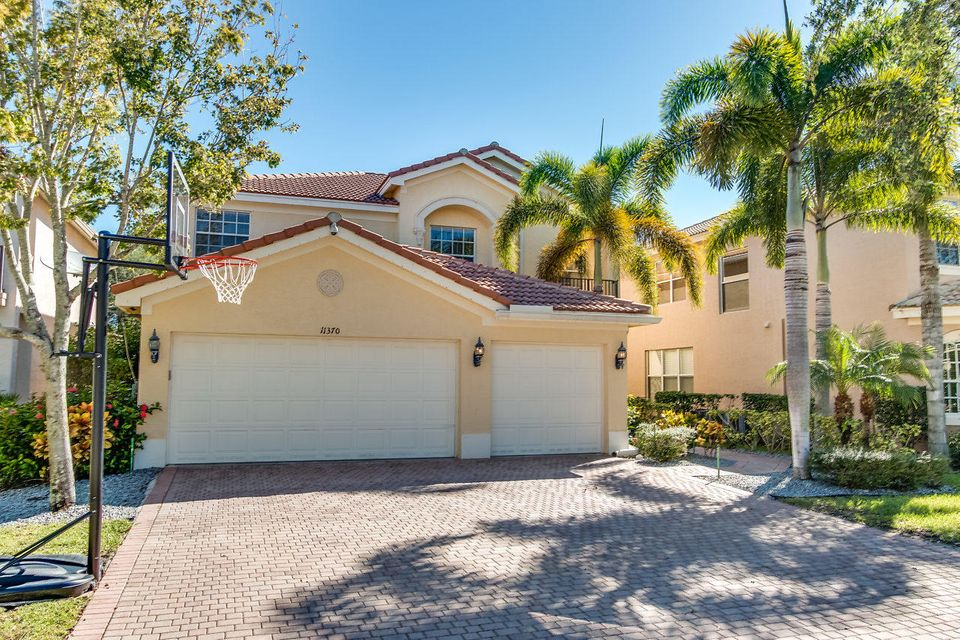CANYON ISLES home on 11370  Millpond Greens Drive