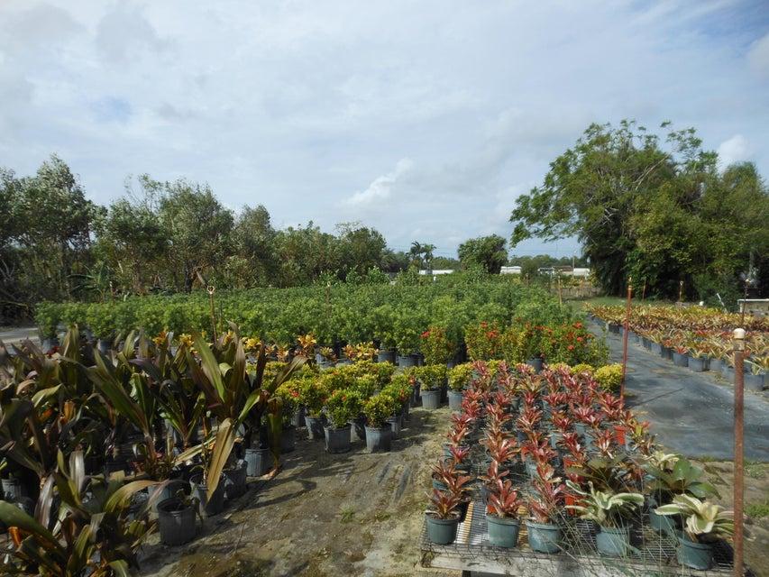 Agricultural Land pour l Vente à 9402 87th Place S 9402 87th Place S Boynton Beach, Florida 33472 États-Unis