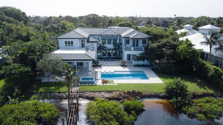 Частный односемейный дом для того Продажа на 19245 N Riverside Drive 19245 N Riverside Drive Jupiter, Флорида 33469 Соединенные Штаты