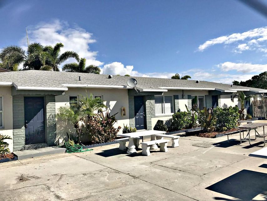 Quadraplex 为 销售 在 611 Federal Highway 611 Federal Highway Lake Worth, 佛罗里达州 33460 美国
