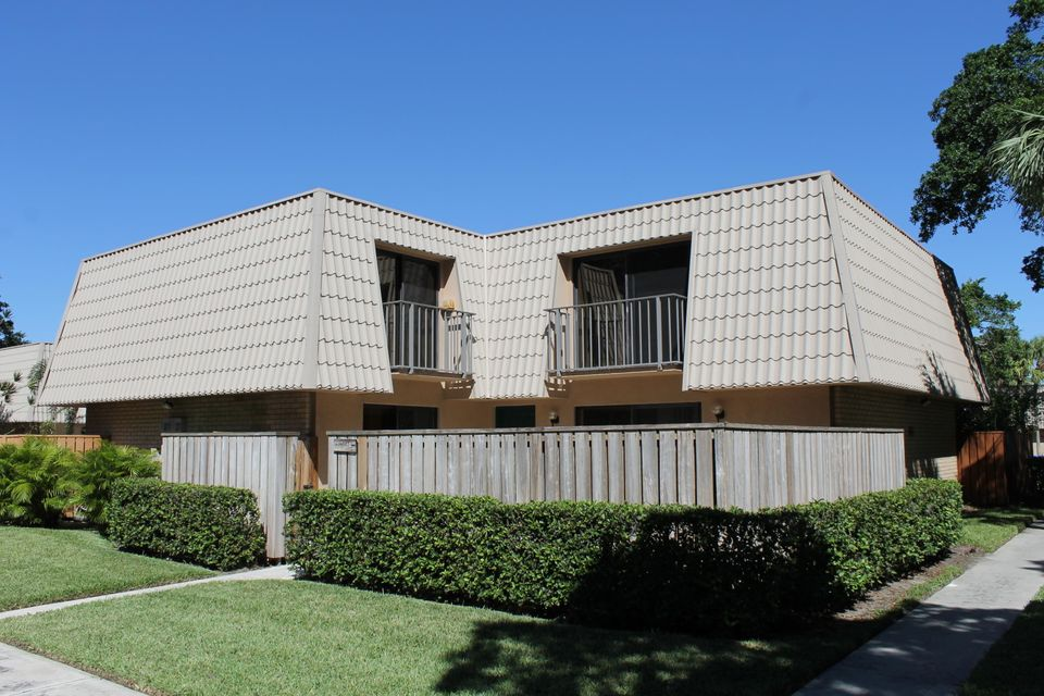 Townhouse for Rent at 5324 53rd Way 5324 53rd Way West Palm Beach, Florida 33409 United States