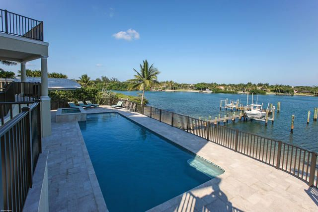 Additional photo for property listing at 17545 SE Conch Bar Avenue 17545 SE Conch Bar Avenue Tequesta, Florida 33469 United States
