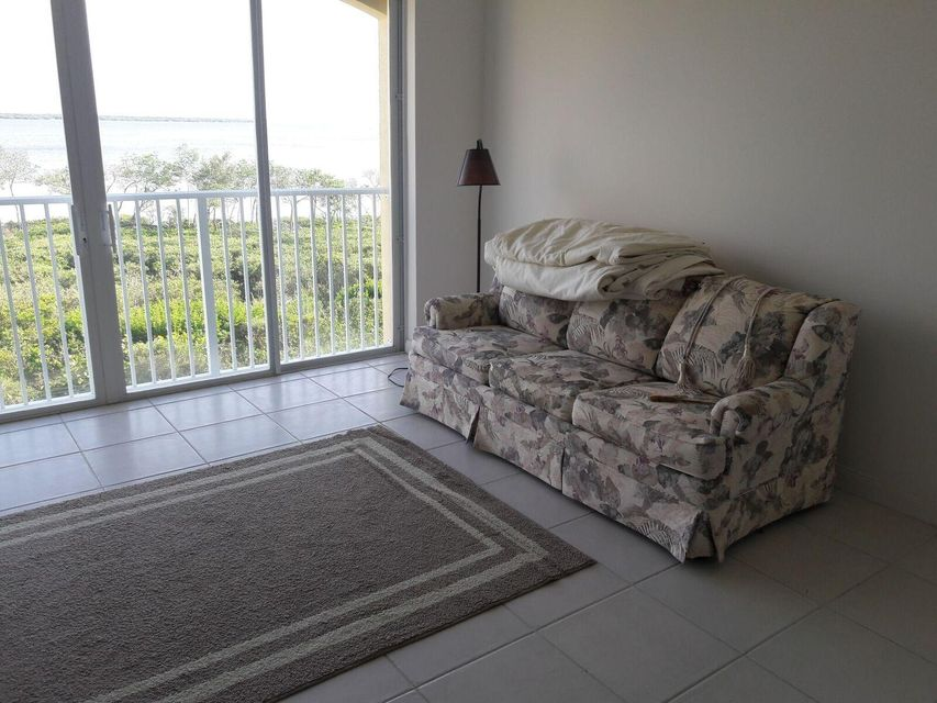 Additional photo for property listing at 28 Harbour Isle Drive W 28 Harbour Isle Drive W Hutchinson Island, Florida 34949 États-Unis