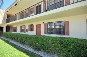 合作社 / 公寓 为 出租 在 4111 Oak Terrace Drive 4111 Oak Terrace Drive Greenacres, 佛罗里达州 33463 美国