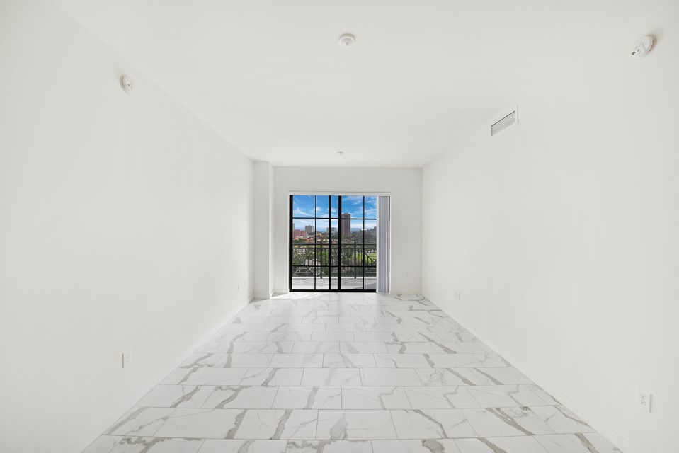 Additional photo for property listing at 101 E Camino Real 101 E Camino Real Boca Raton, Florida 33432 Vereinigte Staaten