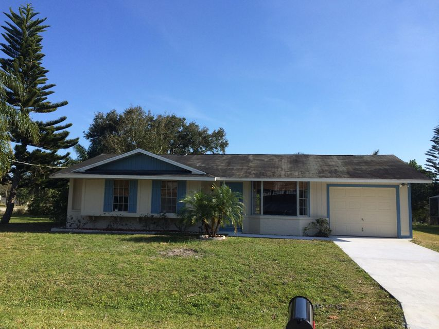 Additional photo for property listing at 579 NW Twylite Terr 579 NW Twylite Terr Port St. Lucie, Florida 34953 United States