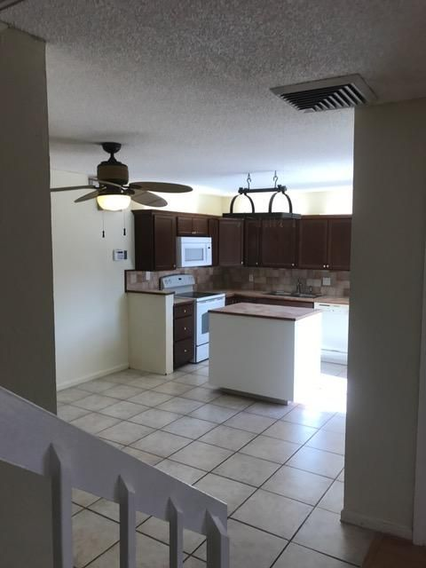 Additional photo for property listing at 1510 15th Court 1510 15th Court Palm Beach Gardens, Florida 33410 Vereinigte Staaten