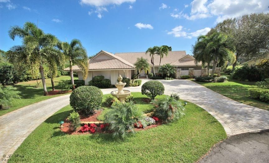 Single Family Home for Sale at 9 Alnwick Road 9 Alnwick Road Palm Beach Gardens, Florida 33418 United States