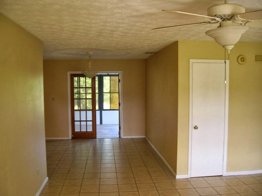 Additional photo for property listing at 1501 SE Minorca Avenue 1501 SE Minorca Avenue Port St. Lucie, Florida 34953 Vereinigte Staaten