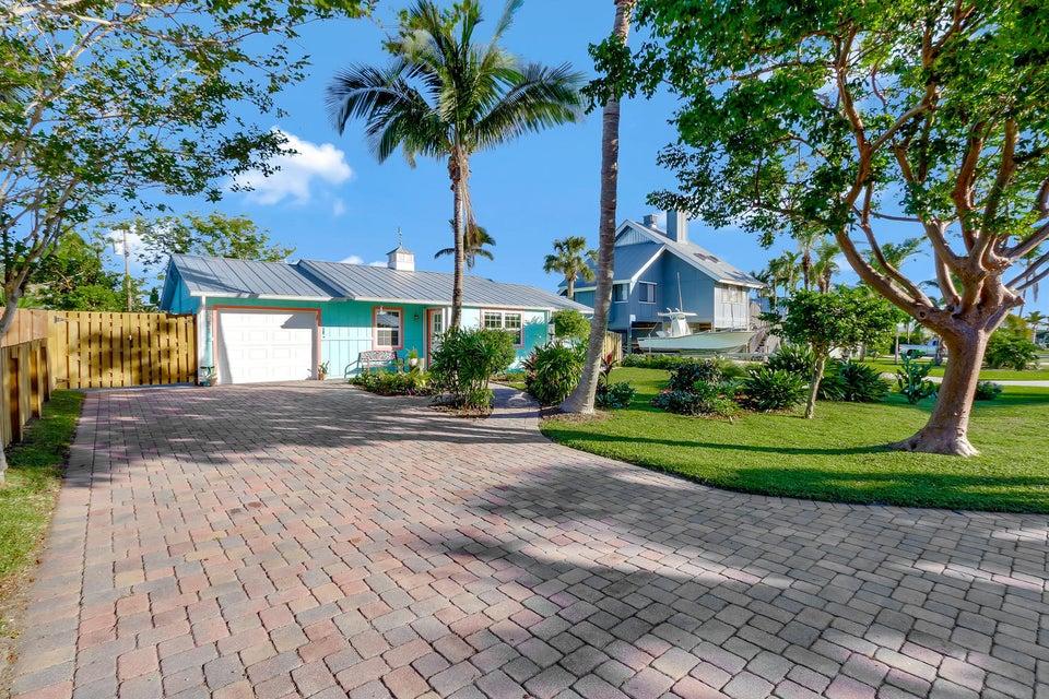 5551 Se Nassau Terrace