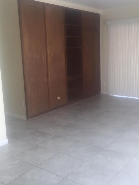 Additional photo for property listing at 141 SE El Sito Court 141 SE El Sito Court Port St. Lucie, Florida 34983 United States