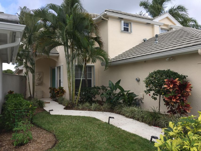 633 Masters Way , Palm Beach Gardens FL 33418 is listed for sale as MLS Listing RX-10378269 17 photos