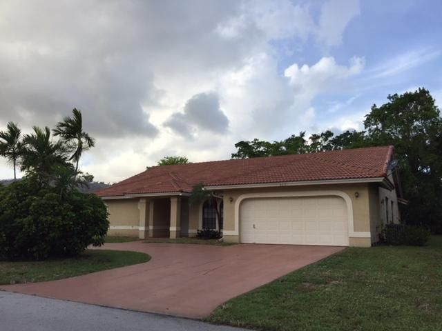 Single Family Home for Sale at 8601 NW 80th Street 8601 NW 80th Street Tamarac, Florida 33321 United States