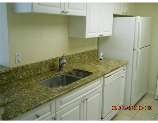 400 N Crestwood Court 409 Royal Palm Beach, FL 33411 photo 6