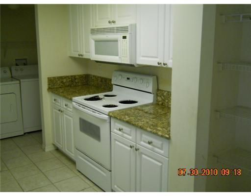 400 N Crestwood Court 409 Royal Palm Beach, FL 33411 photo 7