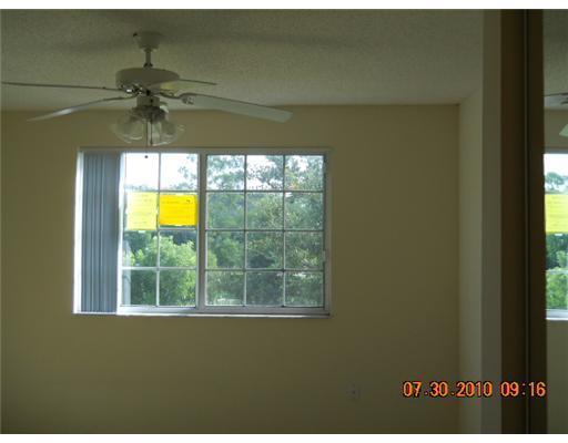 400 N Crestwood Court 409 Royal Palm Beach, FL 33411 photo 9