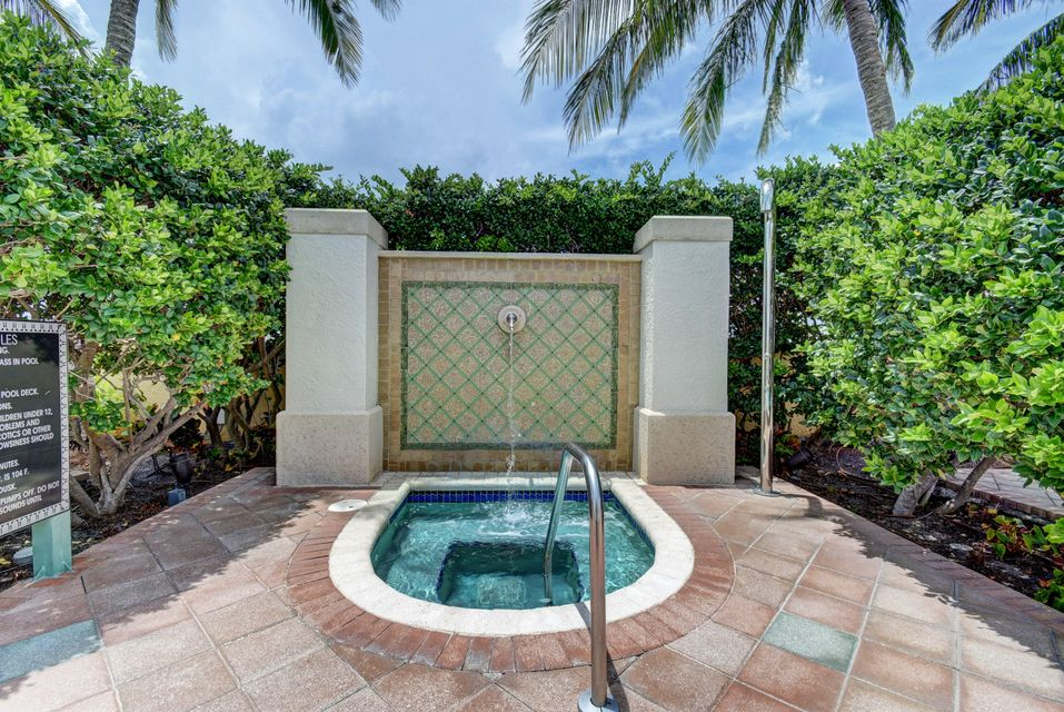 Additional photo for property listing at 403 S Sapodilla Avenue 403 S Sapodilla Avenue West Palm Beach, Florida 33401 United States