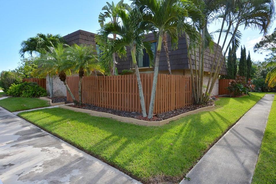 Townhouse for Sale at 5664 SE Windsong Lane # 404 Stuart, Florida 34997 United States