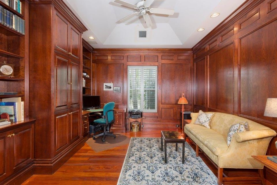Additional photo for property listing at 11 Driftwood Landing Road 11 Driftwood Landing Road Gulf Stream, Florida 33483 États-Unis