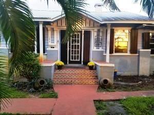 Single Family Home for Sale at 1214 Lake Avenue 1214 Lake Avenue West Palm Beach, Florida 33401 United States