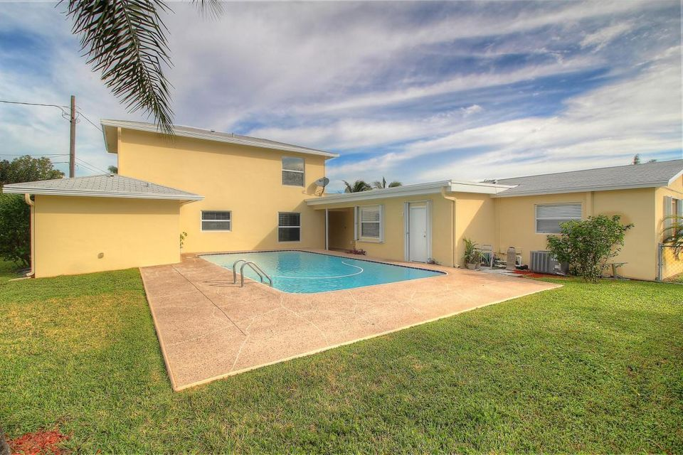 Rentals for Rent at 740 Buttonwood Road 740 Buttonwood Road North Palm Beach, Florida 33408 United States