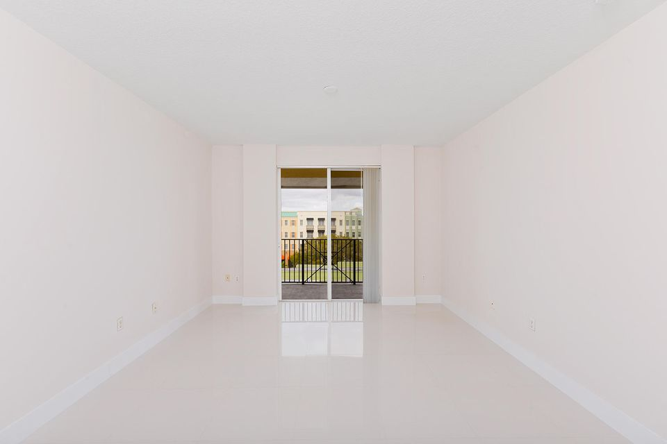 Additional photo for property listing at 250 NE 3rd Avenue 250 NE 3rd Avenue Delray Beach, Florida 33444 États-Unis
