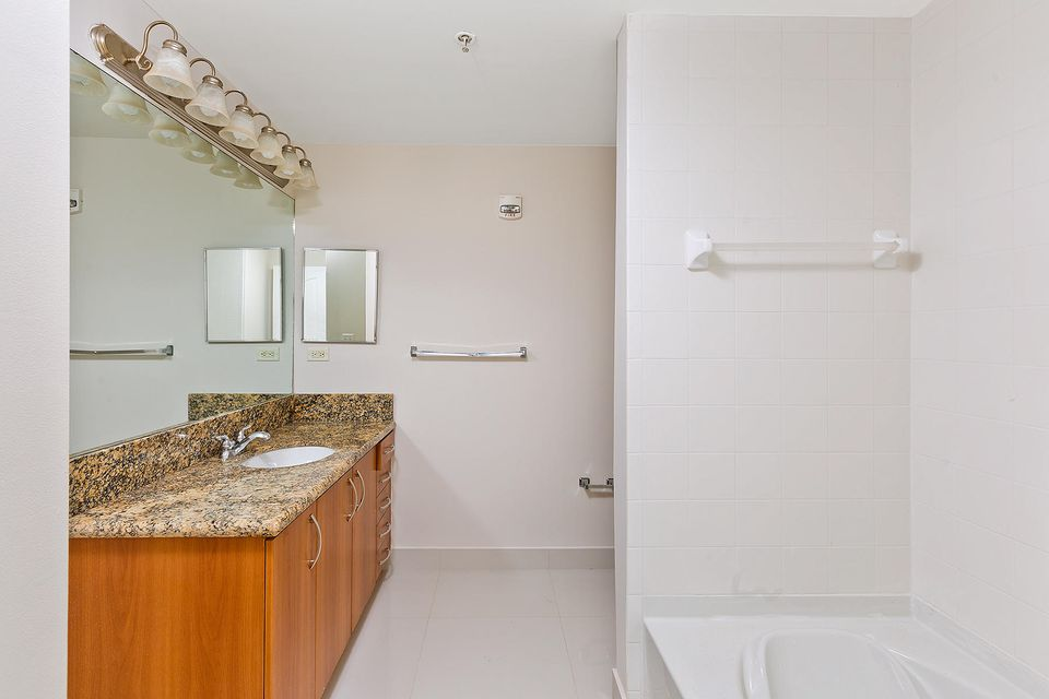 Additional photo for property listing at 250 NE 3rd Avenue 250 NE 3rd Avenue Delray Beach, Florida 33444 United States