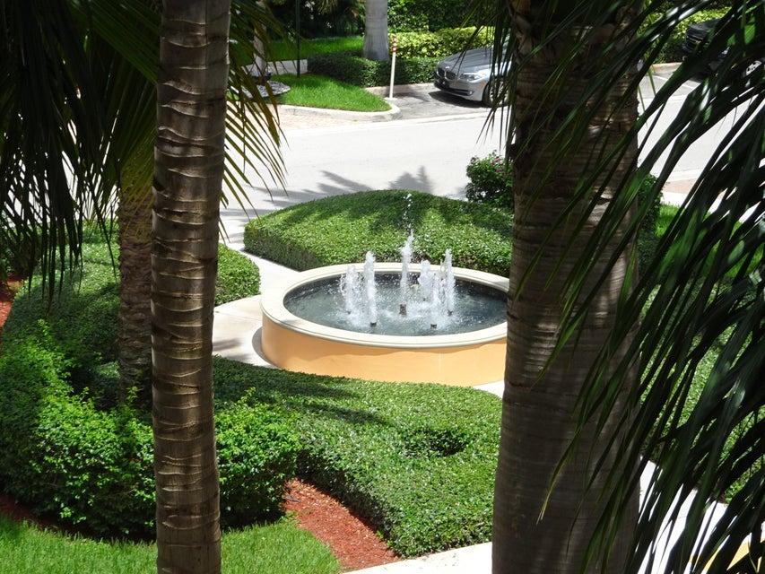 Konsum / Eigentumswohnung für Mieten beim 802 W Windward Way 802 W Windward Way Lantana, Florida 33462 Vereinigte Staaten